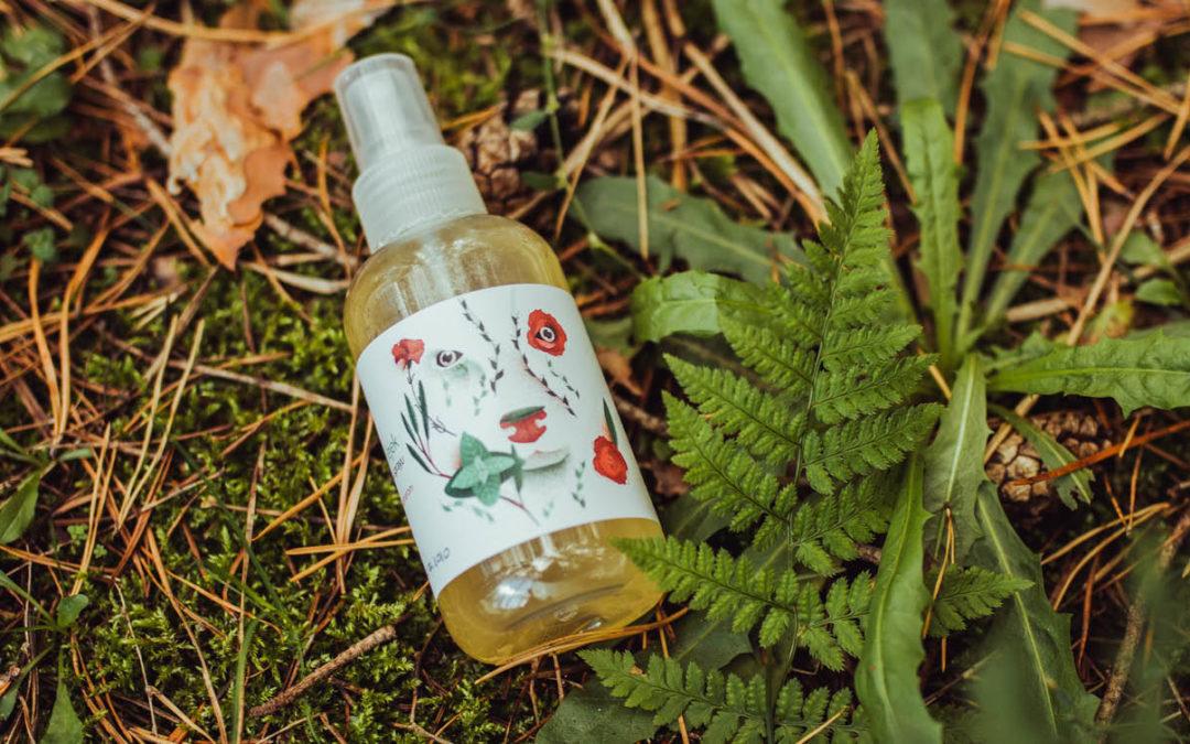Naturalny olejek wsprayu przeciwko kleszczom ikomarom marki PositiveCare